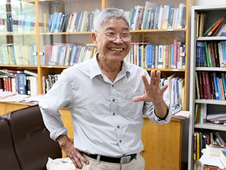Professor James H.-Y. Tai of National Chung Cheng University who loves life and cares about public interests, helps people with his on-going donation for more than 20 years